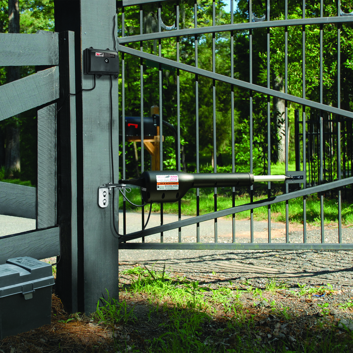 Reviewing the Mighty Mule FM200 Gate Opener